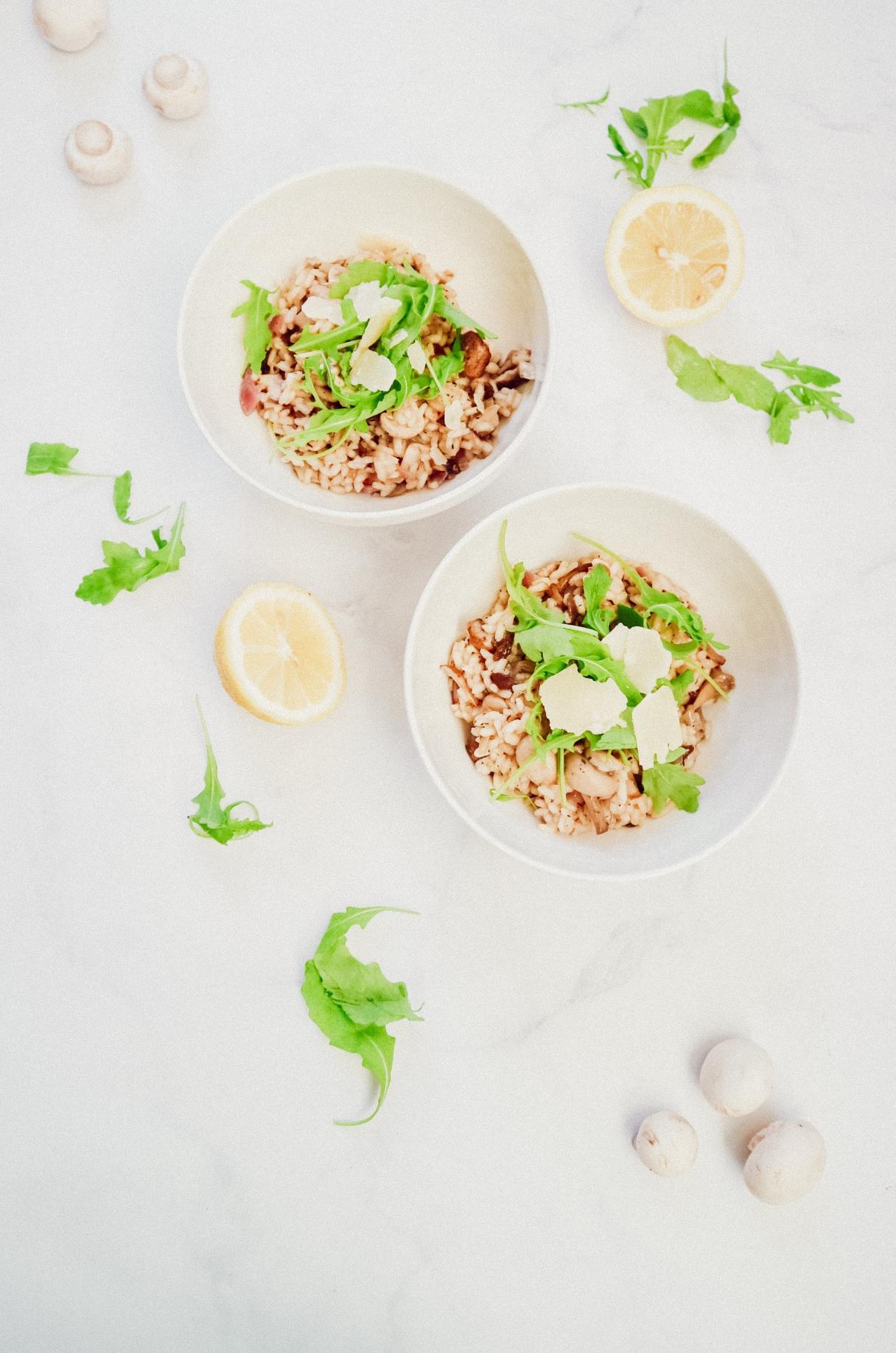Vegetarische risotto met paddenstoelen en citroen